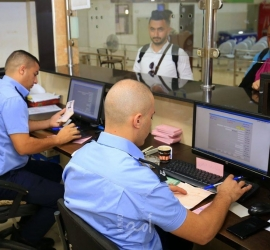 """""""الخارجية الفلسطينية"""": استمرار العمل بآلية السفر الجديدة لـ """"ترانزيت"""" من الجسر إلى المطار"""
