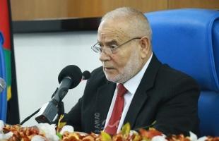 النائب الحمساوي السابق بحر يهدد بعدم السماح لعباس بالتغول على النظام السياسي