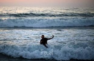 بلدية رفح تحذر من خطر السباحة في البحر حتى الثلاثاء القادم