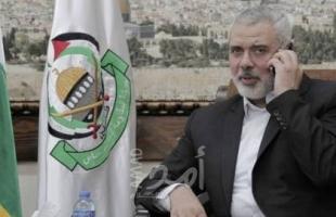 """خلال اتصال هاتفي..هنية يعزي عباس بوفاة المناضل الوطني """"أحمد عبد الرحمن"""""""