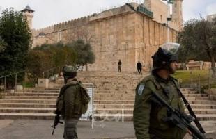 سلطات الاحتلال تجدد أمر إبعاد شاب مقدسي عن الأقصى