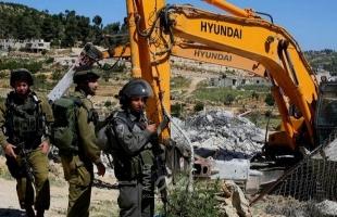 بيت لحم: جيش الاحتلال يخطر بوقف العمل في مسجد وثلاثة منازل