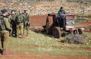 سلفيت: جيش يمنع مواطنًا من استصلاح أرضه