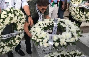 """حركة """"فتح"""" تُكلل أضرحة الشهداء في بيروت وصيدا بالزهور"""