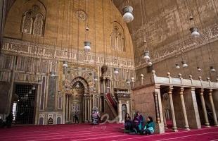 صحيفة تكشف موعد اتخاذ القرار بشأن عودة صلاة الجمعة في مصر