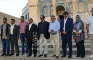بحماية من شرطة الاحتلال.. وفد عماني يزور المسجد الأقصى - فيديو وصور