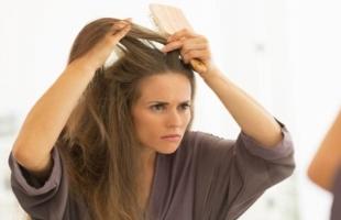 أسباب تساقط الشعر في الشتاء