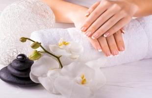 وصفات طبيعية لتفتيح اليدين فى الصيف