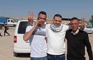 سلطات الاحتلال تفرج عن الأسير علي القيسي بعد اعتقال دام 18 عامًا