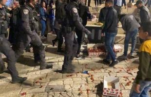 """قوات الاحتلال تجدد اقتحام """"باب العامود"""" وتعتدي على المقدسيين - صور وفيديو"""