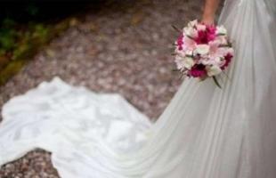 عروس تشترط على المعازيم خلع الأحذية لحضور حفل زفافها
