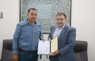 توقيع اتفاقية تأهيل وتعبيد طرق داخلية في قلقيلية