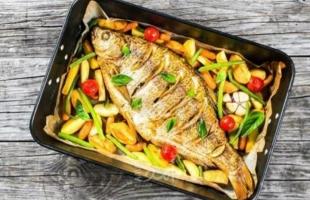 أطعمة لا يجب أكلها مع السمك