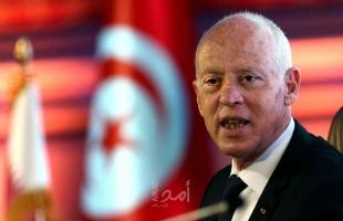 مهاتفاً ماكرون.. سعيد يأسف لقرار فرنسا تخفيض تأشيرات التونسيين