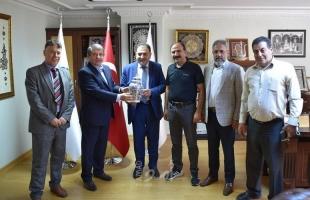 بلدية قلقيلية: بناء شراكات وتوأمات وتعزيز مكانة المدينة على الصعيد الدولي