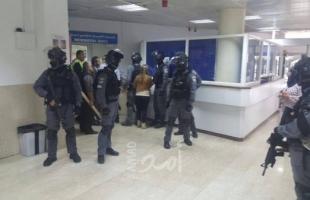 القدس: اندلاع مواجهات مع قوات الاحتلال خلال اقتحام مستشفى المقاصد