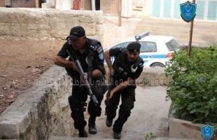 نابلس: إلقاء القبض على (4) مشتبه بهم بالاعتداء على شاب في البلدة القديمة