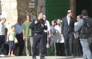 مستوطنون يقتحمون المسجد الأقصى بحماية جيش الاحتلال