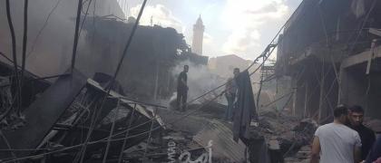 """محدث.. وفاة و(11) إصابة في انفجار محل لتعبئة الغاز  بـ """"سوق الزاوية"""" في غزة"""