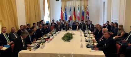 """كبير المفاوضين الإيرانيين يرى """"تفاهما جديدا"""" في محادثات فيينا"""