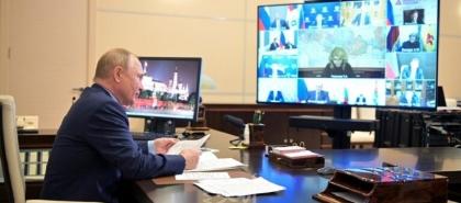 """بوتين يوافق على عطلة رسمية لأسبوع بسبب تفشي """"كورونا"""" في روسيا"""