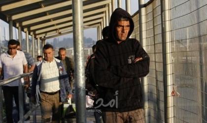 رغم الإغلاق ..بينيت يسمح باستمرار الحالات الاستثنائية وحركة التجار مع غزة
