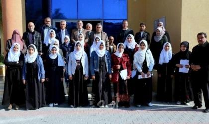 تعليم خان يونس والبلدية ينفذان مسابقة خان يونس للقراءة العربية