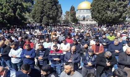 23 ألف مصل يؤدون صلاة الجمعة في رحاب الأقصى