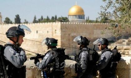 شرطة الاحتلال تعتقل طفلا وتعتدي على المارة قرب باب العامود
