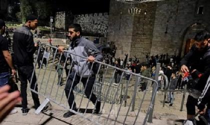 محدث - تحت ضغط هبة القدس.. إزالة الحواجز الحديدية من باب العامود - فيديو