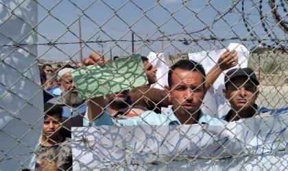 """أبو زعيتر يُوضح لـ """"أمد"""" كيف تراوغ إسرائيل لنهب حقوق العمال الفلسطينيين"""