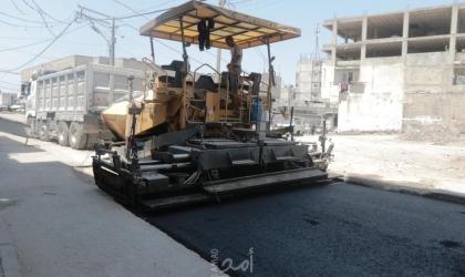 بلدية غزة تشرع بتبليط 4 شوارع متعامدة على شارع البحر
