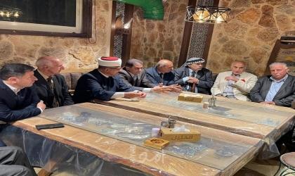 ممثلي مؤسسات وفعاليات محافظة الخليل ترفع صوتهالإنهاء الانقسام