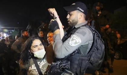 ناشط إسرائيلي يرد على وزير الأمن بفيديو لأمه من الشيخ جراح