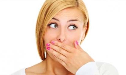 أعراض وأسباب وطرق الوقاية من قرح الفم ؟