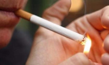 العلماء يربطون بين التدخين وتطور خطر الإصابة بالخرف
