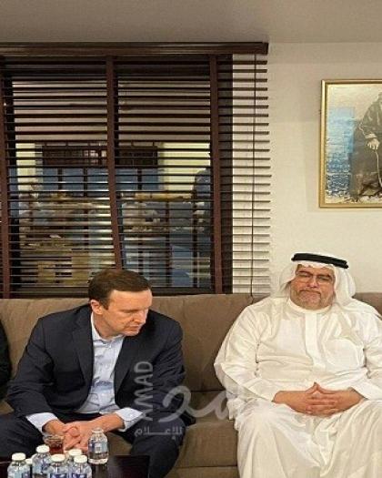 سيناتور أمريكي يزور عائلة معارض بحريني مسجون