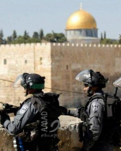 قوات الاحتلال تعتقل أحد حراس الأقصى ويمدد إبعاد أحد موظفيه 6 أشهر
